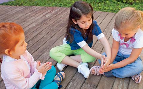 Brincadeiras antigas - Passar Anel - Jogos de crianças
