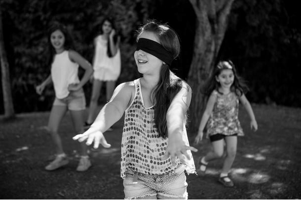 Brincadeiras antigas - Cabra cega - Jogos de crianças