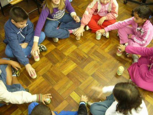 Brincadeiras antigas - Escravos de jó - Jogos de crianças
